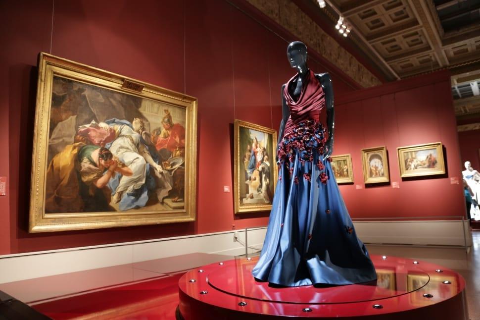 art-theatre-museum-mannequin
